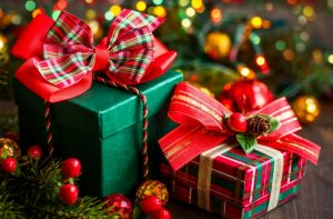 Cadouri copiilor cu prilejul sărbătorilor de iarnă