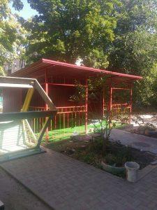 Construcția pavilionului de joacă pentru copii, precum și aplicarea pavajului pe teritoriul IET nr. 60 din sectorul Centru sunt spre finalizare